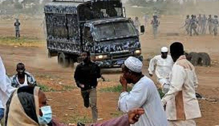 مواجهات بين الشرطة وأهالي غاضبون بمنطقة الجريف